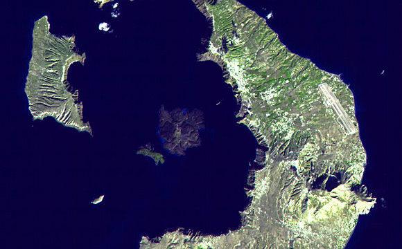 Las Islas de Santorini en Grecia se elevan 14cm por acumulación de magma subterráneo